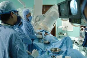 Người phụ nữ 43 tuổi đột quỵ giữa đêm, Bác sĩ nói: Làm 2 điều này sau bữa ăn là đại kỵ