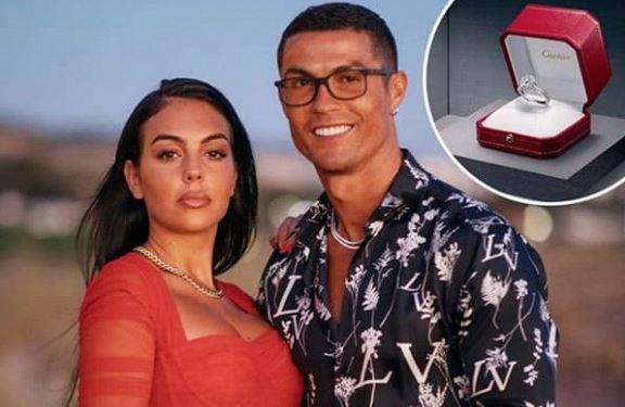 Cristiano Ronaldo tặng bạn gái chiếc nhẫn cầu hôn giá 18 tỷ đồng, đắt nhất trong giới cầu thủ thế giới