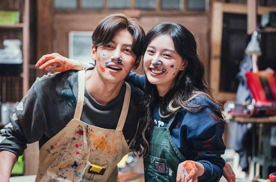 Nữ thần 'Hậu duệ mặt trời' Kim Ji Won cực tình bên mỹ nam Ji Chang Wook trong phim mới được kỳ vọng 'gây sốt' màn ảnh