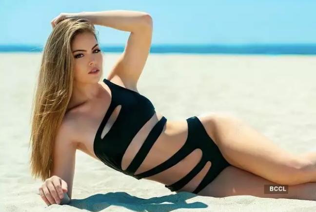 Thân hình nóng bỏng và thành tích đáng nể của Hoa hậu Trái đất Mỹ